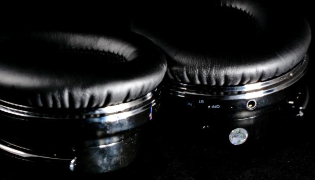 EP6 Headphones Pic 5